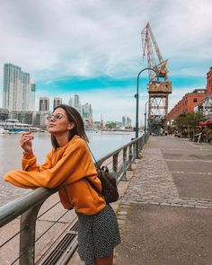 Fashion Pictures, Travel Pictures, Artsy Photos, Orange Blouse, Insta Photo Ideas, Foto Pose, Millie Bobby Brown, Aesthetic Photo, City Style
