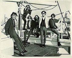 Jefferson Airplane, October 1965. L-R: Jorma Kaukonen, Paul Kantner, Skip Spence, Signe Toly Anderson, Bob Harvey, Marty Balin.