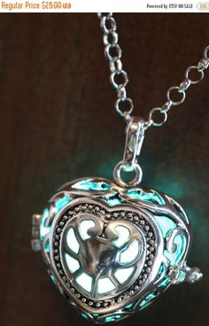 These gorgeous Locket pendant features a pulsing led orb powered by replaceable CR1220 batteries. Metal color : Silver tone Chain Length : 14 inches to 30 inches with a lobster clasp. Pendant Length: 1 inch 1/4 Locket Diameter :1 inch The LED fades on and off slowly to create a twinkle effect. The orb will glow continuously for up to 48+ hours Battery included : 2 x model CR1220 Orb Material : Plastic shell Orb color : You can choose which color you prefer from the dropdown menu. If you need…