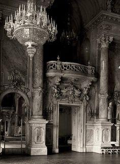 A Budai Vár az években: a Nagy Bálterem. Midevil Castle, Gothic Castle, Dark Castle, Fantasy Castle, Queen Aesthetic, Gothic Aesthetic, Slytherin Aesthetic, Budapest, Buda Castle