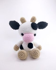 Chloe the Cow amigurumi pattern by Theresas Crochet Shop