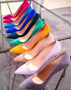 Rainbow Display of Pumps by Manolo Blahnik Dream Shoes, Crazy Shoes, Shoe Boots, Shoes Heels, Pumps, Cute Shoes, Me Too Shoes, Manolo Blahnik Heels, Mode Style