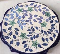 China Painting, Ceramic Painting, Diy Painting, Ceramic Decor, Ceramic Plates, Ceramic Art, Hand Painted Ceramics, Porcelain Ceramics, Zen Doodle Patterns