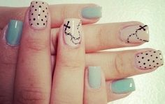 Classy nail art .. Religious rosary manicure .. OMG!! I HAVE TO do this!!