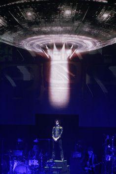 Enrique Bunbury Tour 2014 | Enrique Bunbury hizo suyo el Auditorio Telmex. Foto Arturo Campos ...