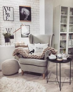 Here are some doable living room decor and interior design tips that will make your home cozy and comfortable for family and friends. Living Room Interior, Home Living Room, Living Room Designs, Living Room Decor, Bedroom Decor, Living Room Inspiration, Home Decor Inspiration, Deco Studio, Scandinavian Style Home