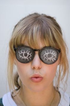 DIY: Chalkboard Glasses - This is beyond awesome!