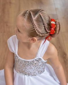 Remember the pink ballet style with lace braids ? Well this is the blonde version ! ❤️❤️❤️ Bunwrap from Cute Toddler Hairstyles, Cute Girls Hairstyles, Braided Hairstyles, Gymnastics Meet Hair, Curly Hair Styles, Natural Hair Styles, Competition Hair, Girl Hair Dos, Cute Hair Colors