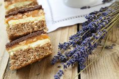 Prajitura Snickers - Retete culinare by Teo's Kitchen Food Design, Tiramisu, Caramel, Cooking, Ethnic Recipes, Sweet, Desserts, Cakes, Hair