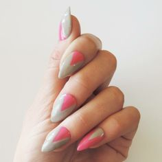 #TrendsTuesday - Contrasting colors make a #SensatioNail mani. #KittenHeel #TaupeTulips #GelPolish