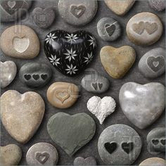smaller heart stones -- I like hearts and I like rocks -- this is great!