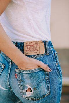 denim ⚪ allure style look jean guide to vintage levis Vintage Levis, Fur Vintage, Levis Jeans, Levis 501, Blue Jeans, Curvy Women Fashion, Womens Fashion, Look Jean, Fashion Designer