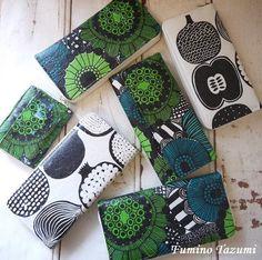 マリメッコのペーパーナプキンで100均のお財布をリメイクしてみました