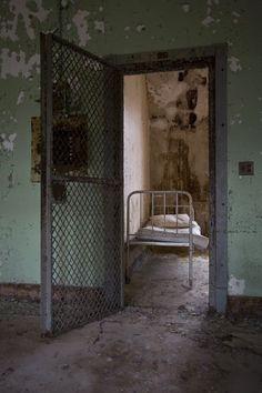 30 Terroríficas fotos de psiquiátricos y asilos del pasado.   Husmeando por la red