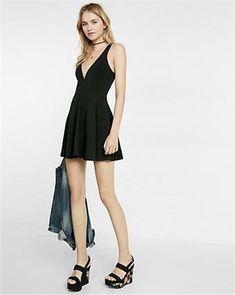 b2048822 (NWOT EXPRESS BLACK DEEP V SKORT SKATER DRESS sz S) #fashion #clothing