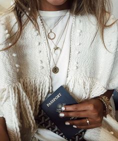 airport look. Guess where I'm off to? Boho Fashion, Fashion Beauty, Looks Street Style, Winter Stil, Bohemian Mode, Autumn Winter Fashion, Fall Winter, Passion For Fashion, Dress To Impress