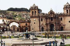La plaza de ciudad pequeño