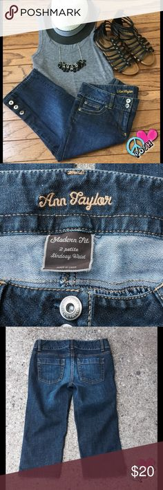 Ann Taylor - Lindsay Waist Denim Crop Jeans Ann Taylor Lindsay Waist Denim Crop Jeans  Size 2P Button Ankle Make these Adorable 😃 A-1 Condition ❌❌ NO TRADE ❌❌ 😃 Firm Unless Bundled for further Savings 😃 Ann Taylor Pants Ankle & Cropped
