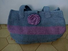 My first Crochet bag.. Wow.. I love it.. Simple pola..