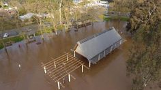 Wangaratta on flood watch as water threatens homes - Weekly Times Now #757Live