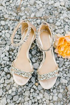21 Comfortable Wedding Shoes That Are So Pretty Your wedding may be the happiest day of your life and you must very carefully choose your shoes. Here, 21 comfortable wedding shoes that will make your look Converse Wedding Shoes, Wedge Wedding Shoes, Beach Wedding Shoes, Wedding Heels, Bridal Shoes Wedges, Bridal Sandals, Wedding Rings, Designer Wedding Shoes, Pretty Wedding Dresses