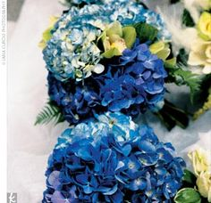 blue wedding bouquet hydrangea