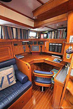 Sailboat Interior, Yacht Interior, Interior Design, Sailboat Living, Van Living, Wood Boats, Boat Stuff, Wooden Ship, Boat Design