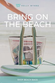Travel Cosmetic Bags, Summer Bags, Sewing Projects For Beginners, Places To Travel, Purses And Bags, Bring It On, My Style, Gold Hardware, Beach