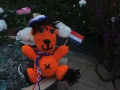 Oranje leeuwtje is voetbalfan!