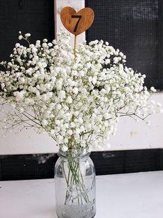 blog centerpiece rustic 12 Wedding Centerpiece Ideas from Pinterest #WeddingFavorsCheap