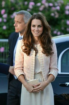 Duchess of Cambridge (Kate Middleton) style Prince William And Catherine, William Kate, Prince Edward, Joseph Prince, Windsor, Kate Middleton Stil, Princesse Kate Middleton, Herzogin Von Cambridge, Princesa Diana