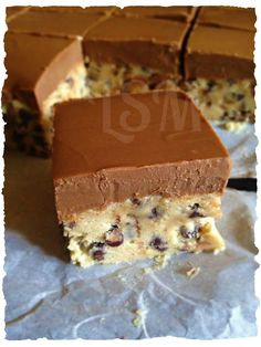 Life's Simple Measures: Chocolate Chip Cookie Dough Bars (chocolate chip cookies no brown sugar) Just Desserts, Delicious Desserts, Dessert Recipes, Yummy Food, Delicious Chocolate, Yummy Yummy, Cookie Dough Bars, Chocolate Chip Cookie Dough, Chocolate Chips
