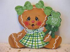 HP Gingerbread St. Patrick's Day kiss me SHELF SITTER hand painted USA