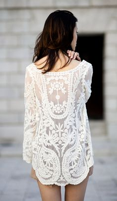 Floral Crochet Tunic - I can totally see this as a boho chic wedding rehearsal dress. Looks Chic, Looks Style, Style Me, Street Mode, Street Style, Look Fashion, Fashion Beauty, Street Fashion, Ladies Fashion