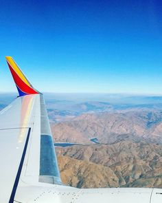 The Rocky Mountains near Boise Idaho. I'm in hot hot hot Arizona now for the next 4 days. What would you do in 38C weather?  #viewfromabove #lentomatka #lentokone #lennolla #flight #southwest #boise #visitboise #idaho #visitidaho #travel #matka #reissu #matkablogi #työmatka (via Instagram)