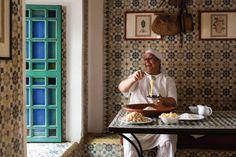 """""""Zu Gast in Marokko"""" von Rob und Sophia Palmer lädt Sie ein auf eine farbenfrohe Reise durch die attraktivsten Gegenden und Küchen des Landes!"""