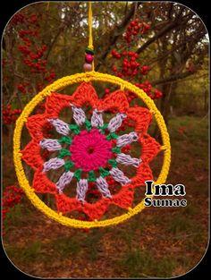 mandalas tejidas al crochet. artesanales Crochet Mandala Pattern, Crochet Art, Crochet Home, Crochet Granny, Filet Crochet, Crochet Crafts, Crochet Doilies, Crochet Flowers, Crochet Projects