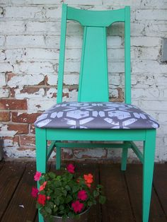 mid-cent mod chair, re-upholstered. possibly use as desk chair.