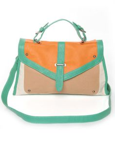 I wish I liked carrot cake, this purse makes it seem so delicious