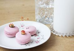 Origial French macarons recipe - With this recipe, the macarons are guaranteed to succeed. It is not difficult at all. Baking Recipes, Dessert Recipes, French Macarons Recipe, Cake & Co, Food Website, How Sweet Eats, Bakery, Food And Drink, Sweets