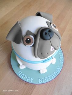 My second little Pug dog cake. He looks a bit happier this time :)