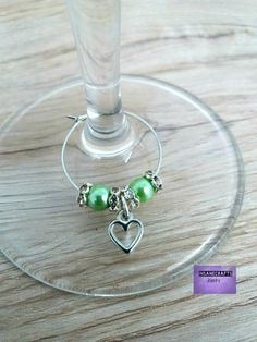 Green wine tag with heart for christmas table Wine Glass Favors, Wine Glass Charms, Grey Pearl Earrings, Pearl Grey, Etsy Jewelry, Jewelry Shop, Unique Jewelry, Gifts For Wine Lovers, Wine Gifts