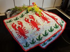 Pot Holders, Christmas Sweaters, Free Pattern, Crochet Patterns, Knitting, Holiday Decor, Projects, Barn, Clothing