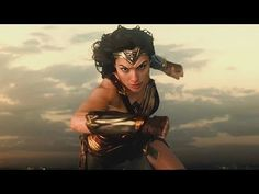 Diana Prince in azione nella nuova foto di Wonder Woman 1984 Gal Gabot, Robin Wright, Girl Power, Diana, Prince, Cinema, Scene, Wonder Woman, Superhero