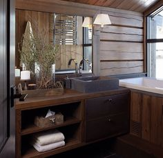 instagram.com/vakrehjemoginterior Cabin Homes, Log Homes, Modern Wood House, Chalet Interior, Building A Cabin, Cabin Bathrooms, Montana Homes, Cabin Interiors, House In The Woods