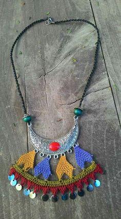 Neşe'nin gözdeleri Textile Jewelry, Fabric Jewelry, Point Lace, Needle Lace, Micro Macrame, Wire Earrings, Crochet Accessories, Cross Stitch Embroidery, Tatting