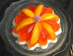 1.5 Quart Coppertone Fruit Cornucopia Mold