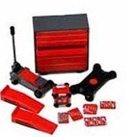 Phoenix-Toys Tool Chest, Hand Tools, Creeper, Jack, Ramps, Generator Plastic Model Diorama 1/24 #16057