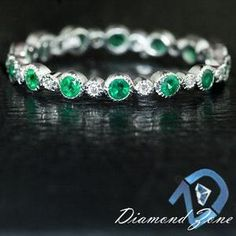 EMERALD GREEN SATURATION DIAMOND NATURAL ETERNITY BAND WHITE GOLD WEDDING RING