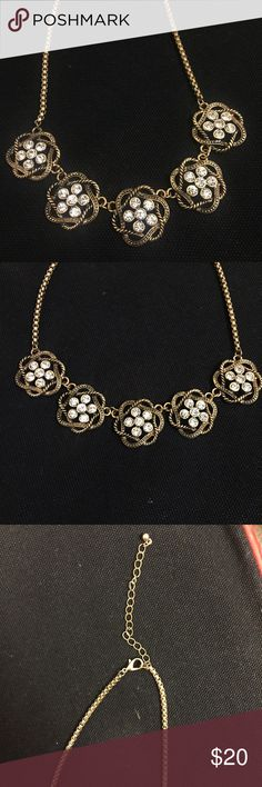 Flower rhinestone necklace Gold necklace with rhinestone flowers. Super cute & never been worn! 😀 Jewelry Necklaces